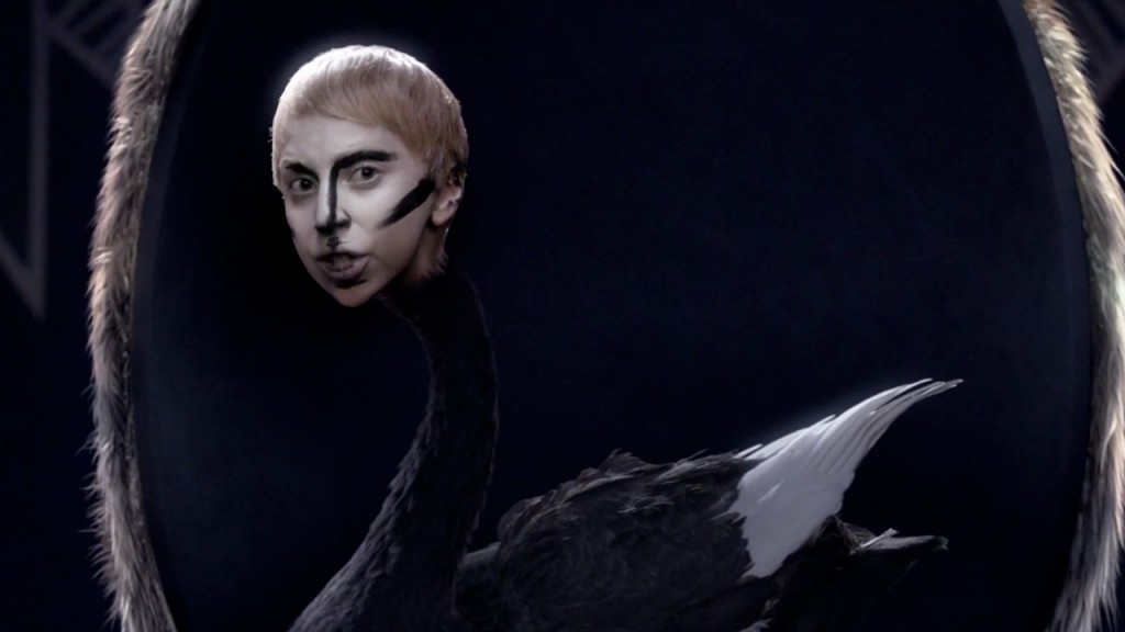 lady-gaga-applause-music-video