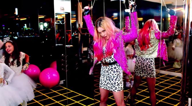 Madonna feat. Nicki Minaj – Bitch I'm Madonna