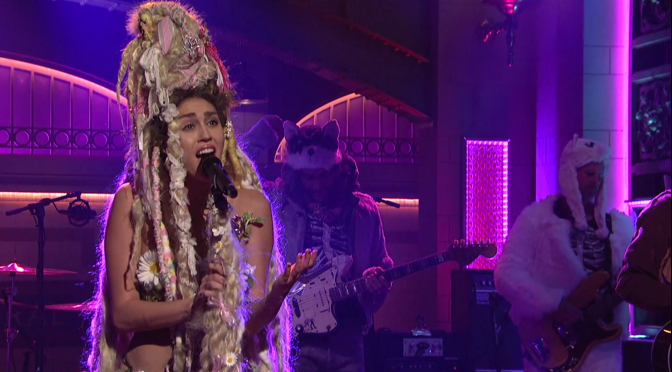 Miley Cyrus – Karen Don't Be Sad (Live from SNL)