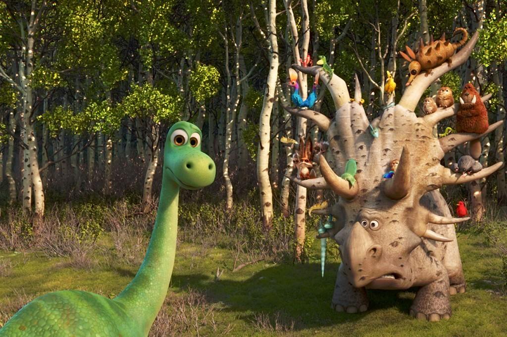 le-voyage-d-arlo-triceratops